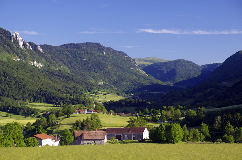 Les Trucs hamlet and the village of St Agnan en Vercors
